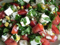 Caprese Salad, Cobb Salad, Fruity Drinks, Kung Pao Chicken, Feta, No Cook Meals, Onion, Salsa, Cheese