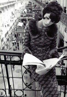 Sonia Rykiel - black jersey suit with fake fur collar 1964