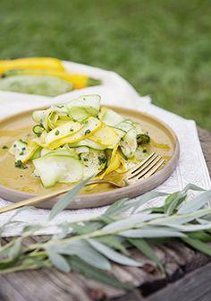 Une salade toute simple pour profiter du temps des récoltes. C'est normal qu'on…