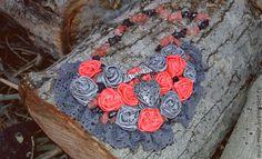 Любовь-неиссякаемый источник вдохновенья - серый,розовый,колье,украшение