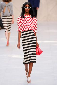 Burberry Prorsum, Spring 2014 - Best Runway Looks at London Fashion Week Spring 2014 - Photos Fashion Mode, Love Fashion, Runway Fashion, High Fashion, Fashion Show, Fashion Trends, Style Fashion, Fashion Online, Burberry Prorsum