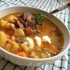 Magyaros krumplileves Paleo, Goulash, Thai Red Curry, Stew, Chili, Ethnic Recipes, Kitchen, Food, Gastronomia
