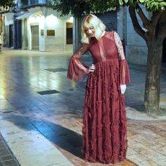Burgundy chiffon maxi dress with plunging neckline, tiered ruffle skirt and fluted sleeves Day To Night Dresses, Day Dresses, Casual Dresses, Fashion Dresses, Fashion Fashion, Chiffon Maxi Dress, Ruffle Skirt, Ruffles, Smart Dress