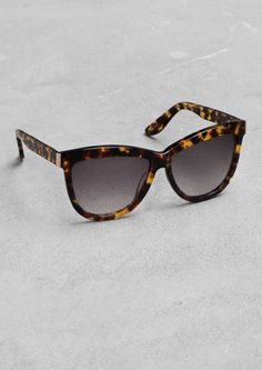 & Other Stories | Classic Sunglasses Metal Detail