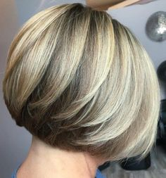 60 Best Short Bob Haircuts and Hairstyles for Women - Stile di capelli Short Layered Bob Haircuts, Bob Haircuts For Women, Short Hair Cuts, Short Bobs, Razor Cut Hair, Modern Bob Hairstyles, Hairstyles Haircuts, Pixie Haircuts, Beautiful Hairstyles