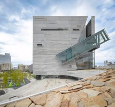Perot Museum of Nature and Science in Dallas, Texas by Morphosis: An Extraordinary Collision of Rock and Glass | Archute