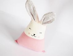 M s de 25 ideas incre bles sobre regalos caseros de cumplea os en pinterest tarjetas - Juguetes caseros para conejos ...