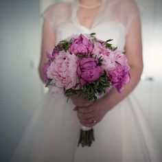 Peony bouquet  Link in profile. Image by @assassynation  #wedding #weddingblog #weddingideas #weddinginspiration #instawed #instawedding #ukwedding #peonies #peony #flowers #instaflower #weddingbouquet #bridalbouquet #bouquet #weddingflowers