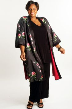 Plus Size Mother of Bride Kimono Coat Embroidered Roses Taffeta Black Pink Green Mother Of The Bride Jackets, Mother Of The Bride Dresses Long, Plus Size Womens Clothing, Plus Size Outfits, Plus Size Fashion, Day To Night Outfits, Evening Outfits, Evening Dresses, Fall Outfits