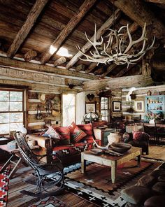 6 cozy cabin decor ideas for a winter getaway. Domino rounds-up cozy cabin inspiration from small cabins in Wisconsin, Missouri, Dunton Hot Springs and Ralph Lauren's Colorado Ranch! For more cottage, cabin and celebrity style go to Domino. Cabin Interiors, Rustic Interiors, Style At Home, Cabin Homes, Log Homes, Casas Cordwood, Cabin Design, House Design, Cabin Interior Design