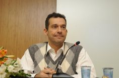"""Palestra com o tema """"Novas práticas educacionais para os cidadãos do século XXI: protagonismo discente nos cursos jurídicos"""", coordenada pelo Prof. Dr. Roberto Freitas (foto), coordenador do curso de Direito do UniCEUB. Debatedores: Prof: Drª Luciana Barbosa Mousse e o Prof. Paulo Roberto Moglia.    (Foto: Jonas Pereira)"""