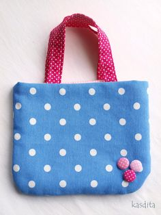 Small dotted bag for girls by kasdita on Etsy Diaper Bag, Reusable Tote Bags, Trending Outfits, Unique Jewelry, Handmade Gifts, Gift Ideas, Etsy, Vintage, Girls
