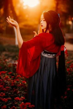 Chinese Picture, Chinese Style, Beach Fashion Photography, Divas, Japanese Costume, Oriental Fashion, Oriental Style, Chinese Clothing, Hanfu