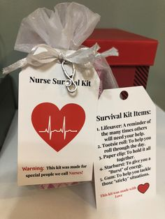 Nurse Survival Kit with Stethoscope Charm. Great Gift for Nurses Graduations or any Event. Nursing Survival Kit, Survival Kit Items, Student Survival Kits, Survival Supplies, Survival Knots, Survival Tips, Survival Skills, Christmas Gifts For Nurses, Nurses Week Gifts