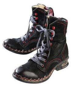 Silver Shoes, White Shoes, Cute Winter Shoes, Steampunk Accessoires, Mode Shoes, Cheap Shoes Online, Beautiful Shoes, Designer Shoes, Me Too Shoes