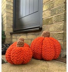 Chunky Pumpkins Crochet Kit and Pattern in Deramores, Cfjump.com - DealsPlus