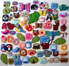 Ooooh!  Such adorable felt brooches!! Many of them remind me of Girl Scouts badges.  I have no idea why I would ever need these (they seem more useful for someone with elementary-school-aged children, somehow), but they are CUTE.