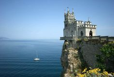 Nido de Golondrina, Ucrania - Las 11 edificaciones más increíbles construidas en el borde de un acantilado