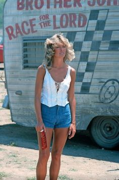 Flawless Farrah! Click on the image to see Farah Fawcett's styles.