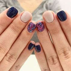 33 Glitter Gel Nail Designs For Short Nails For Spring 2019 - Ongles 02 Glitter Gel Nails, Acrylic Nails, Gel Shellac Nails, Glitter Eyebrows, Cute Nails, Pretty Nails, Hair And Nails, My Nails, Dipped Nails