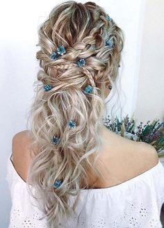 Need a perfect bohemian wedding hairstyle? Here you can find lots of boho wedding hairstyles, from elegant updos to most creative ideas. Prom Hairstyles For Long Hair, Braided Hairstyles For Black Women, Braided Hairstyles For Wedding, Braids For Black Hair, Bun Hairstyles, Hairstyle Ideas, Little Girl Hairstyles, Bridal Hairstyles, Hairstyles For School