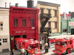 Blir inspirert av Jonathan Lopes og bygg din egen lego by! Get inspired by Jonathan Lopes and build your own lego city <3 Lego!