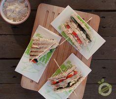 Club sandwich vegano un panino o tramezzino salutare ma pieno di gusto versatile e facilmente personalizzabile come più vi pare