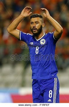 epa04911649-haris-medunjanin-of-bosnia-and-herzegovina-reacts-during-f1rfef.jpg (347×540)
