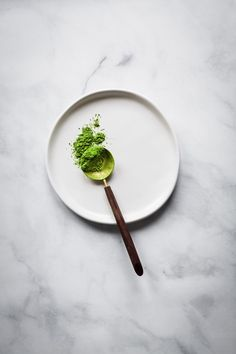 Matcha is the most popular hot drink nowadays. Are you a fan of matcha? Which matcha brand do you drink? Here you have 5 best matcha tea brands. Matcha Tea Benefits, Green Tea Benefits, Best Matcha Tea, Matcha Green Tea, Green Teas, Green Tea Before Bed, Matcha Tee, How To Make Matcha, Food Photography