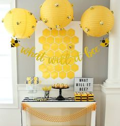 Baby Shower Decorations Neutral, Gender Reveal Party Decorations, Baby Girl Shower Themes, Table Decorations, Bee Gender Reveal, Baby Gender Reveal Party, Girl Birthday Themes, Birthday Parties, Themed Parties