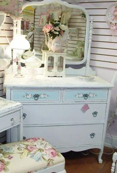 Have same dresser minus the color on top drawers.