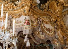 Plays With Needles: The Bed Chamber of Marie Antoinette