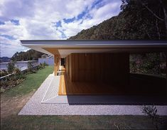 TEZUKA ARCHITECTS floating roof, really great roof, can we do this?