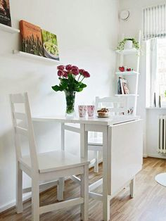 Good table setting for a small kitchen Small Kitchen Tables, Small Tables, Nice Kitchen, Kitchen White, Kitchen Living, Interior Design Living Room, Living Room Decor, Small Living, Home Furniture