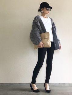 I want to imitate immediately! `` Cap & knit hat '' is a feeling of . Work Fashion, Daily Fashion, Fashion Beauty, Womens Fashion, Japanese Fashion, Korean Fashion, Japan Outfits, Fashion Images, Casual Wear