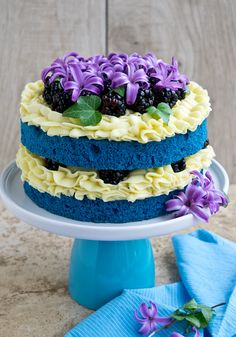 Recipe: Blue Velvet Naked Cake | CakeJournal.com