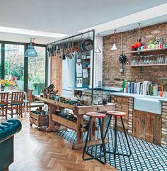 Eclectic wooden open-plan kitchen