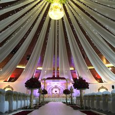awesome Hindu Wedding Mandap from Wed-in-Style . Wedding Hall Decorations, Marriage Decoration, Wedding Mandap, Wedding Ceremony, Wedding Receptions, Tela Hindu, Wedding Arrangements, Wedding Events, Wedding Ideas