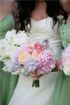 bouquet. the flowers and colors that i will want <3