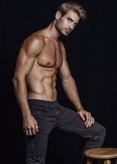 Lucas Bloms, Male Model, Good Looking, Beautiful Man, Guy, Handsome, Hot, Sexy, Eye Candy, Muscle, Abs, Six Pack, Shirtless 男性モデル