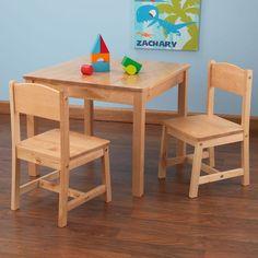Conjunto de mesa y dos sillas para niños y niñas en madera de la marca KidKraft. Ideal para decorar habitaciones infantiles.