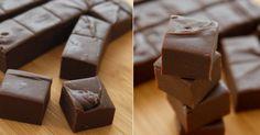 Delikátní čokoládové kostičky ze 3 ingrediencí | Čarujeme