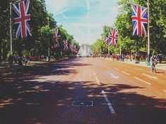 3년전 영국여행의 첫날...버킹엄궁전 #여행 #영국여행 #영국 #england #british #london #buckinghampalace #photographer #버킹엄궁전 #런던 #삼남매여행 #유럽여행 #유럽 #europe #서유럽 #추억 #맞팔해요 #여행스타그램 by photogram_artist