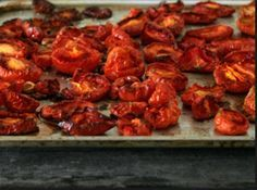 This delicious marinated tomatoes recipe sparkles with fresh flavor. Try adding the marinated tomato salad to spreads, or chop it up and use it in sauces or as a soup garnish. Marinated Tomatoes, Oven Roasted Tomatoes, Salad Recipes, Healthy Recipes, Bar Recipes, Main Dishes, Side Dishes, Tandoori Chicken, Summer Recipes