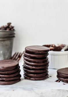You gotta try this! A Super Easy Thin Mints Recipe!
