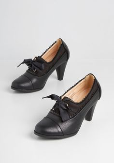 Oxford Shoes Heels, Women Oxford Shoes, Black Oxfords, Gold Ankle Strap Heels, Lace Heels, Leather Heels, Women's Heels, Vintage Style Shoes, Vintage Shoes Women