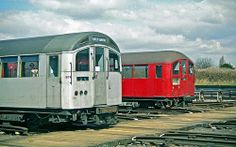 1962 and 1938 tube stock Vintage London, Old London, London Underground Train, Tube Train, Mall Of America, North America, S Bahn, London History, Old Trains