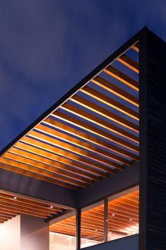 Pergola is a minimalist house located in Saitama, Japan Villa, Timber Deck, Canopy Design, Pergola Lighting, Japan Design, Pergola Patio, Facade House, Prefab, Minimal Design