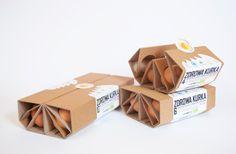 Zdrowa Kurka - eggs packaging - by Lotne Studio