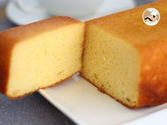 by PetitChef_Official Easy Pound Cake, Buttermilk Pound Cake, Almond Pound Cakes, Pound Cake Recipes, Easy Cake Recipes, Sweet Recipes, Dessert Recipes, Baking Recipes Uk, Milk Recipes